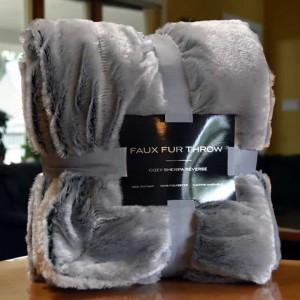 faux-fur-silver2